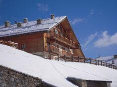 Una #mansarda in baita, con una vista splendida vista ed esposizione, a pochi km dal centro di #Bardonecchia ? Eccola!