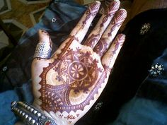 Moroccan style henna by Alia