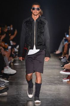 Awesome Men's Summer Style A la Garçonne Spring/Summer 2017 - Sao Paulo Fashion Week Check more at http://24myshop.tk/my-desires/mens-summer-style-a-la-garconne-springsummer-2017-sao-paulo-fashion-week/