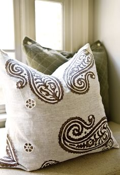 Atlanta Style Now | Atlanta Homes & Lifestyles | Natural textures, warm tones | throw pillows