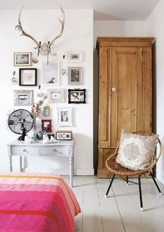 Eclectic and Bold Gallery Wall | www.thefoxandshe.com
