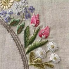 Hand Embroidery Patterns Flowers, Hand Embroidery Videos, Hand Work Embroidery, Embroidery Flowers Pattern, Embroidery Stitches Tutorial, Creative Embroidery, Embroidery Motifs, Simple Embroidery, Silk Ribbon Embroidery