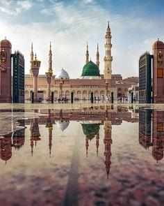 The Prophet's Mosque in Medina🇸🇦 Al Masjid An Nabawi, Masjid Haram, Mecca Madinah, Mecca Masjid, Islamic Images, Islamic Pictures, Tatoo Travel, Mekka Islam, Medina Saudi Arabia
