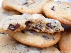 Cookies aux noix et aux pépites de chocolat Bagel, Tea Time, Waffles, Muffins, Bread, Chocolate, Cooking, Sweet, Desserts