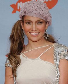 How does JLo still look good with that dumbass hat and side ponytail?  http://tipsrazzi.com/ipost/1510723168637425990/?code=BT3Kre8lhlG