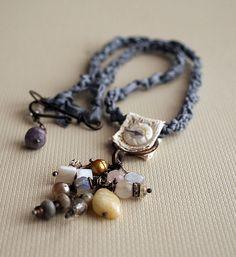 'Grey Dusk' necklace