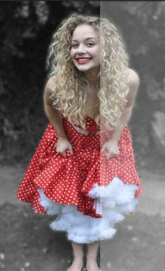 Carrie Hope Fletcher is the best. Like why can't I be her.