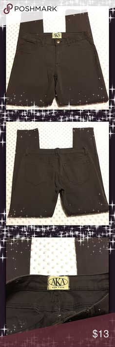 A.K.A NewYork Pants Like New. Excellent Condition A.K.A  Pants Skinny