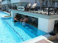 Swim-up Bar at The Royal Playa del Carmen