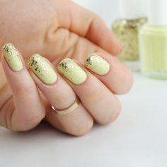 Nailpolis Museum of Nail Art | Chillato Glitter Gradient by Ann-Kristin