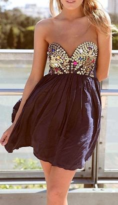 If the dress was long instead of short...OH MY GOSH IM IN LOVE