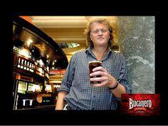 CERVEZA BUCANERO TE DICE ¿Quién es Tim Martin y a que renunció? Tim Martin es el dueño y presidente de la mayor cadena de Pubs en Irlanda, este hombre rechazo vender los productos que distribuye Diageo incluidas las cervezas Guinness, Carlsberg y Smithwicks porque no está dispuesto a pagar el alto precio que se cobra por el almacenamiento de cerveza en Irlanda. Dice no estar dispuesto a pagar 20% más que se impone en Irlanda en relación al Reino Unido. www.cervezasdecuba.com