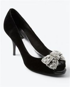 Black velvet heels with jewels