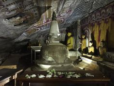 Dambulla Cave Temple! 5 caves in the side of a rock with over 153 Buddah Statues, AMAZING! #wanderlustlama #DambullaCaveTemple #ThingsToDoInSriLanka #CaveTemples #BuddahStatue #Buddhism #TheGoldenTemple