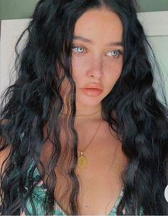 Girls With Black Hair, Long Black Hair, Black Curly Hair, Blue Eyes Aesthetic, Aesthetic Hair, Light Blue Eyes, Light Skin Girls, Black Hair And Freckles, Blue Eyed Girls
