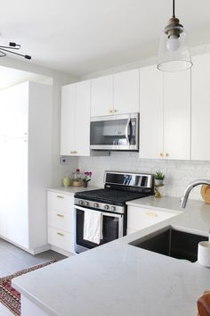 A Review Of Our Quartz Countertops One Year Later