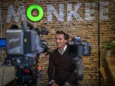 Ha sido una experiencia muy interesante ver cómo se graba una entrevista para televisión.
