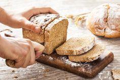 Comment faire du pain maison : 10 astuces pour le réussir à coup sûr Healthy Fats, Healthy Weight, Healthy Recipes, Natural Protein Powder, Pain Pita, How To Get Thick, Calorie Intake, 100 Calories, Healthy Alternatives