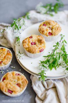 Alles und Anderes: Einfache Rhabarber-Muffins mit Buttermilch und Str...