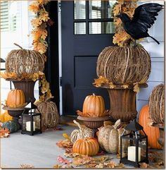 Outside fall decor, pumpkins & lanterns