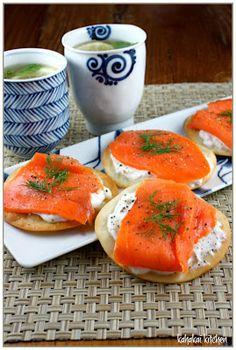 Kahakai Kitchen: Salmon Wonton Crisps with Mint, Lemon & Ginger Green Tea: A Little Afternoon Tea Break