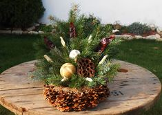 Christmas Decorations, Table Decorations, Cemetery, Fall Decor, Wreaths, Vence, Holiday, Flowers, Diy