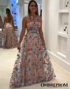 Chic Round Neck Tulle Sleeveless Prom Dress Long Party Dress with Embroidery Gorgeous Prom Dresses, Elegant Party Dresses, Unique Prom Dresses, Pretty Dresses, Long Party Gowns, Floral Evening Dresses, Silver Bridesmaid Dresses, Frock For Women, The Dress