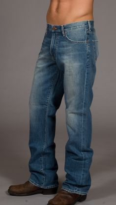 Big Star Men's Relaxed Fit Jeans are a comfortable and Stylish. Grunge Guys, Haircuts For Fine Hair, Mens Fashion, Fashion Outfits, Big Star, Jeans Fit, Blue Jeans, Light Blue, Menswear