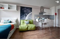 Discover Collegiate's luxury student accommodation in Cardiff, with a fitness suite, dinner party room and private cinema, all in reach of Capitol Centre. Student Home, Student Apartment, Student Living, Small Apartment Decorating, Apartment Design, Bedroom Apartment, Summit Homes, Dorm Room Designs, Studio Room