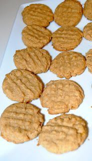 Five Ingredient Two Carb Peanut Butter Cookies Ingredients 1 c. peanut butter 1 c. Splenda 1 egg 1 tsp. baking soda 1 tsp. vanilla