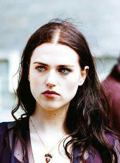 Her beautiful eyes and hair Katie Mcgrath, Zara Young, Lancelot And Guinevere, Merlin Morgana, Alien Queen, Lena Luthor, Wattpad, Badass Women, Face Claims
