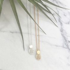 Dainty minimalist pineapple pendant necklace NWT retail: fashion gold necklace, so trendy! ❤️🍍 Hwl boutique Jewelry Necklaces