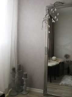 White and gray bedroom, silver frame mirror, gray wallpaper Silver Framed Mirror, Gray Wallpaper, Gray Bedroom, Grey Bedrooms