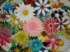 large collection of vintage enamel flowers, awesome!