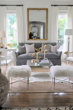 Love this neutral decor with a mix of fabulous textures that brings it to life.