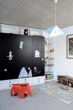 kids room with black chalk board on wardrobe Eames, Concrete Sculpture, Kids Room Design, Kids Decor, Home Decor, Kids Corner, Deco Design, Cool Rooms, Kid Spaces