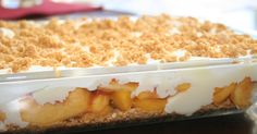 Fresh Peach Dessert ~ peaches, graham cracker crumbs, sweetened condensed milk, lemon juice, and whipping cream 13 Desserts, Delicious Desserts, Dessert Recipes, Yummy Food, Graham Crackers, Yummy Treats, Sweet Treats, Kolaci I Torte, How Sweet Eats