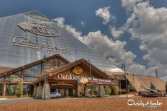 HDR image of Bass Pro Shops at the Pyramid in Memphis, TN.