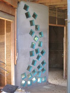 outdoor art from salvaged glass bricks Interior Design Living Room, Living Room Designs, Glass Blocks Wall, Wine Bottle Wall, Verre Design, Glass Brick, Privacy Panels, Eco Friendly House, Diy Furniture Plans