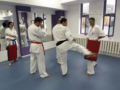 Karate Kyokushin Sibiu - Antrenament la palmare si perne - Tehnica de picior, Gedan Mawashi