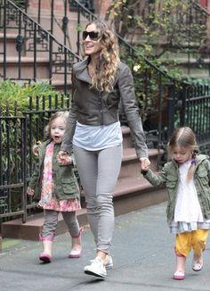Sarah Jessica Parker Photo - Sarah Jessica Parker Walks Her Girls To School