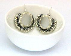 Silver Swarovski Earrings / Silver Beaded Earrings / by Ranitit