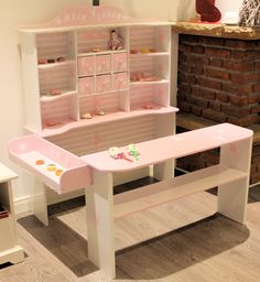 Kaufladen rosa weiß Ballerina Diy Furniture Tv Stand, Pallet Furniture, Dramatic Play Area, Homemade Toys, Toy Rooms, Girl Room, Kids Playing, Pink White, Crafts For Kids