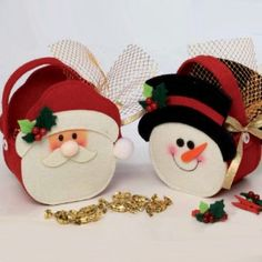 I'd like to make many of them and give as christmas gifts to my children friends, full of candies and goodies Christmas Bags, Christmas Candy, Christmas Time, Merry Christmas, Holiday, Felt Crafts, Christmas Crafts, Christmas Decorations, Paper Crafts