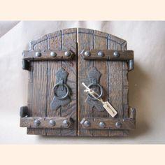 Для дома и интерьера :: Ключницы :: Ключница Ворота ручной работы