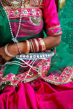 India, #fuchsia #emerald, Parvati's Jeweled Cuff would find a nice home here! www.swatijrjewelry.com