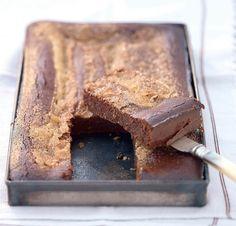 Chocolate fondant and salted butter caramel Source by jocelinemalval Sponge Cake Recipes, Homemade Cake Recipes, Pound Cake Recipes, Quick Easy Desserts, No Cook Desserts, Dessert Recipes, Chocolate Fondant, Chocolate Recipes, Baking Chocolate