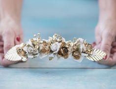 Mientras queden sueños continuaremos trabajando. @donbuhoestudio  #sisterstocados #coronasdeflores #flowercrowns #tocados #novias #invitadas #bodas #wedding #invitadaperfecta #bridal #brides #invitadasboda #tocadosnovia #bridalaccessories #muysisters