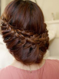 How gorgeous is this braided updo?