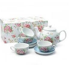 A pretty tea set